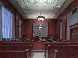 courtroom-898931_640-1